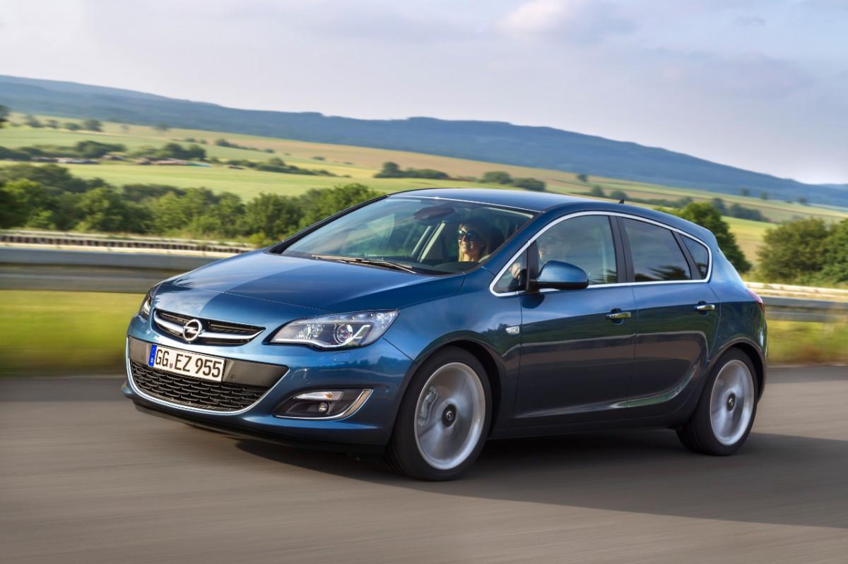 Noul motor 1.6 CDTI debuteaza la Geneva si pe Astra hatchback, Astra