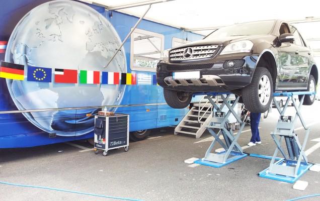 Mercedes-Benz - Service Truck 1