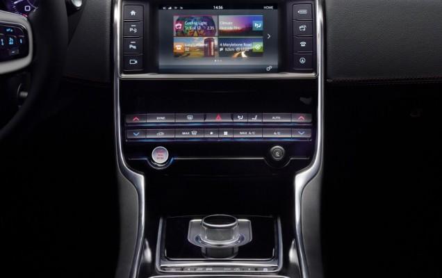 2015 jaguar xe-s (19)