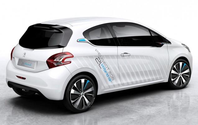 Peugeot 208 HYbrid Air 2L Concept (1)