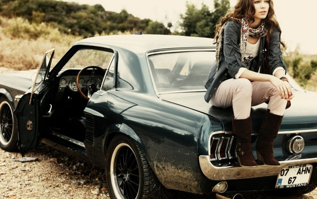 women-and-cars-wallpaper-2