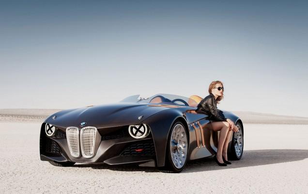 women-cars_584638