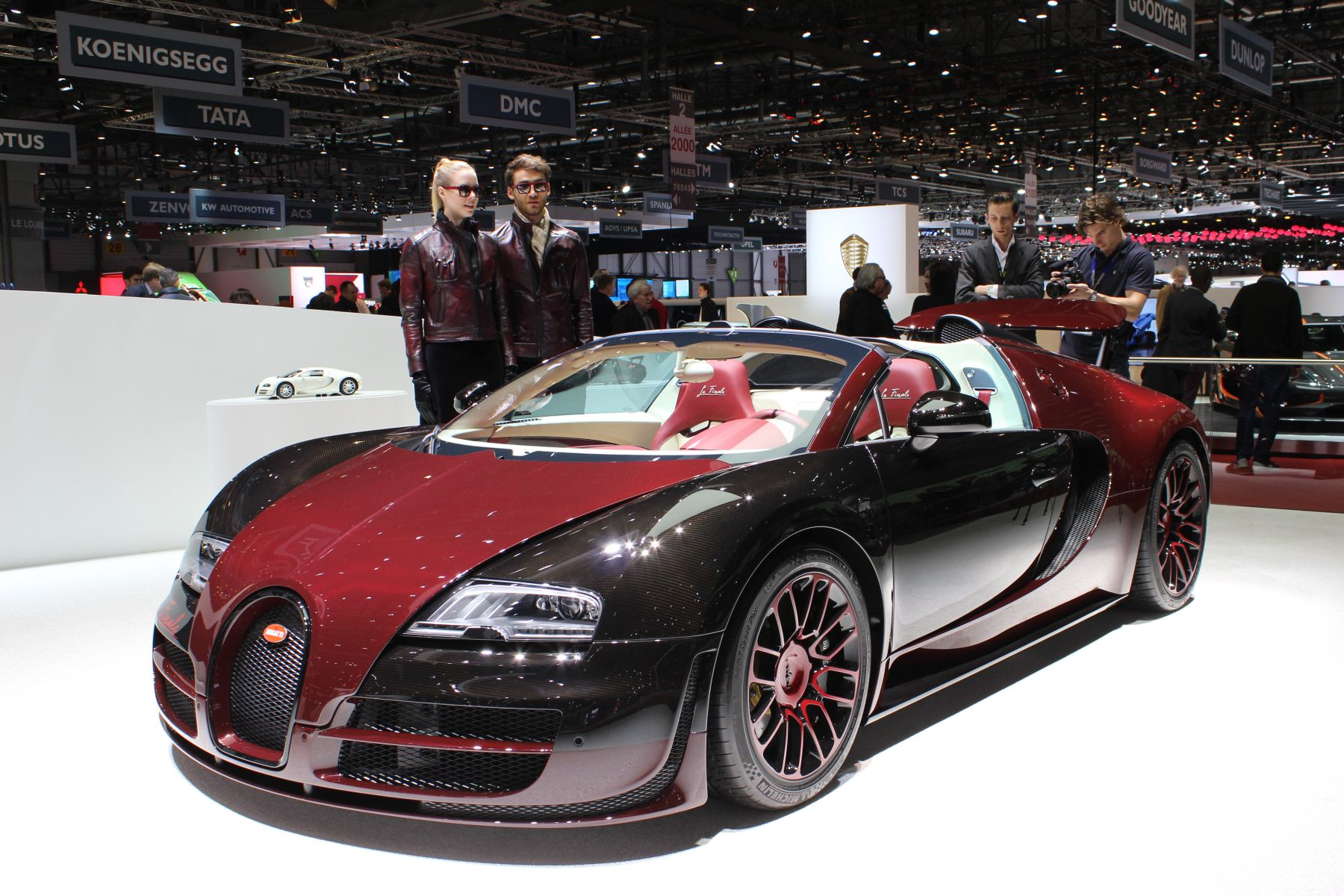 live geneva 2015 bugatti veyron grand sport vitesse la finale headline s. Black Bedroom Furniture Sets. Home Design Ideas