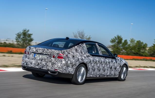BMW Seria 7 2016 (40)