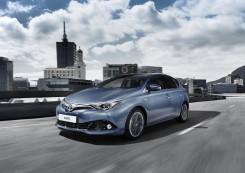 Masini economice: Toyota Auris HSD