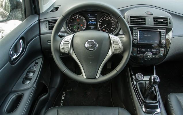 Comparativ Mazda3 vs Nissan Pulsar (32)