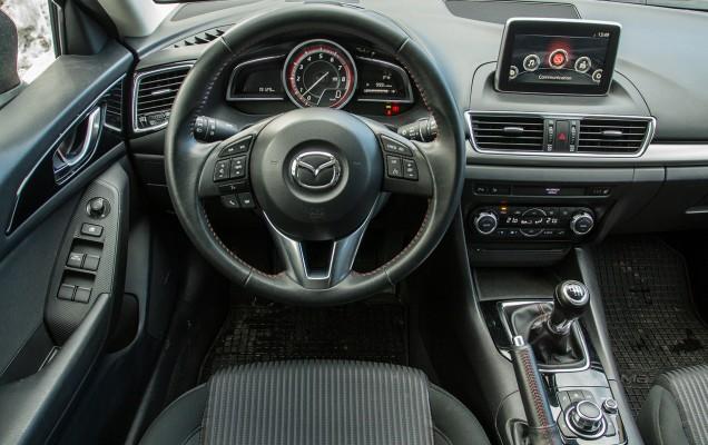 Comparativ Mazda3 vs Nissan Pulsar (44)
