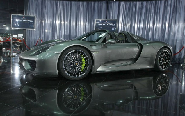 Porsche_918_tiriac_collection_13