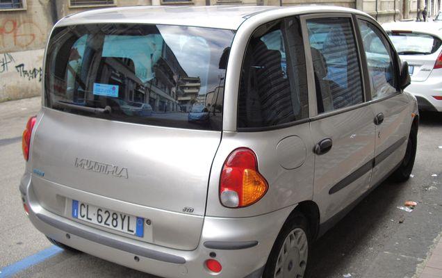 Fiat_Multipla_silver_rear