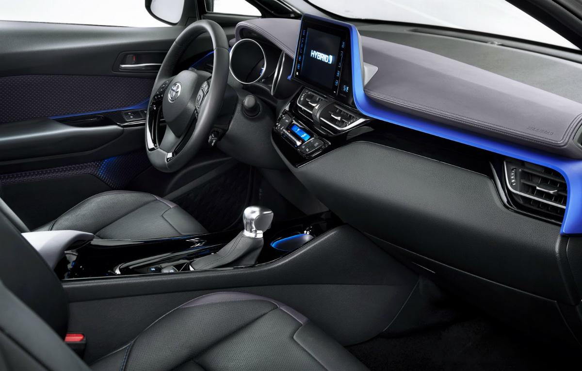 interior toyota c-hr (13) - AUTO BILD