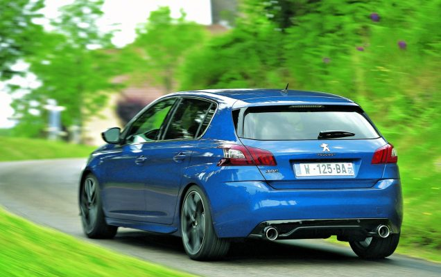 Peugeot 308 GTi Sperrfrist statisch : 18.06.2015 Sperrfrist Fahrbericht: 21.09.2015