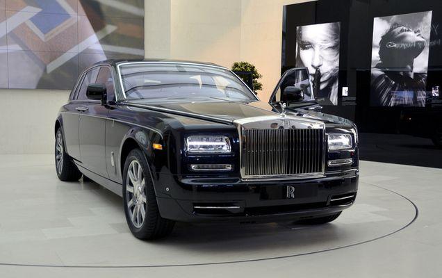 Rolls-Royce,_BMW_Welt