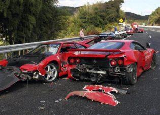 Un Mercedes, un Lamborghini și opt Ferrari