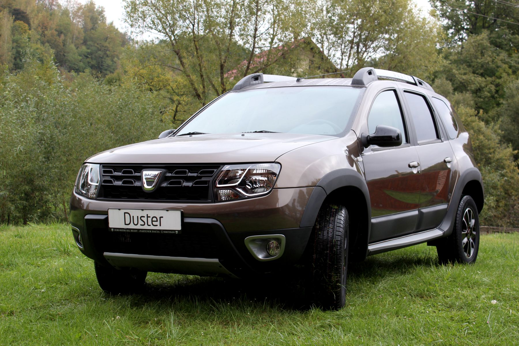 dacia duster black touch 2 auto bild. Black Bedroom Furniture Sets. Home Design Ideas