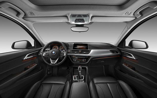 2017-bmw-seria-1-sedan-1