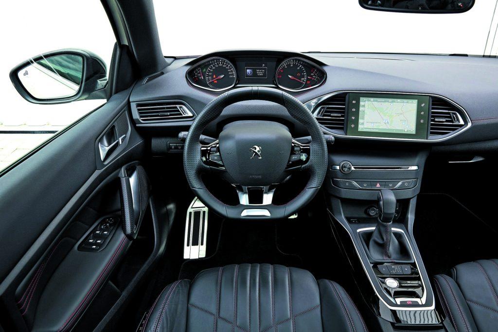 Skoda Octavia Combi vs Peugeot 308 SW