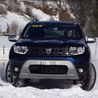 Un Duster a întrecut mai multe SUV-uri într-o competiţie desfăşurată pe o pârtie de schi