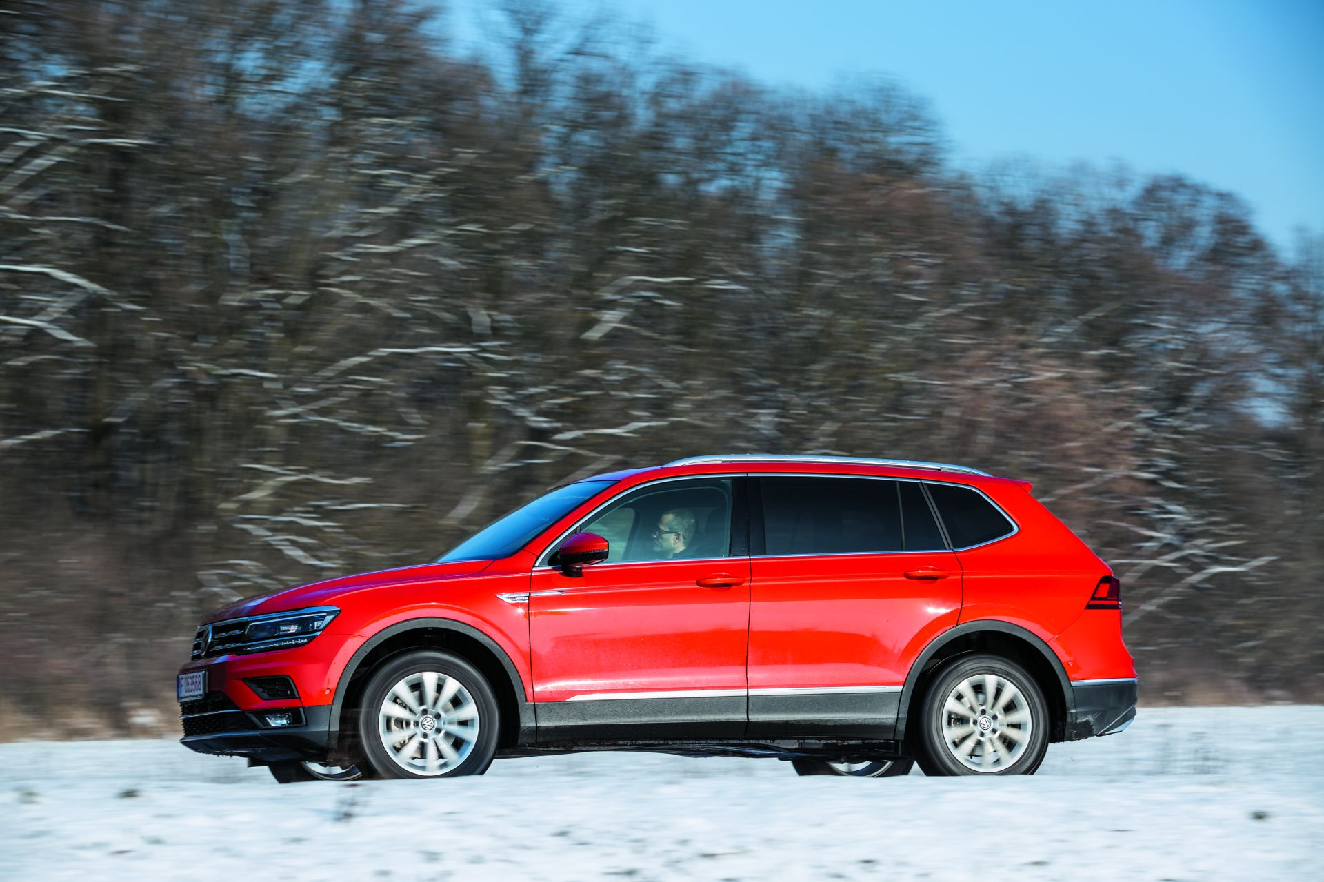 vw tiguan allspace 2 0 tdi 4motion dsg monovolum n haine de suv. Black Bedroom Furniture Sets. Home Design Ideas
