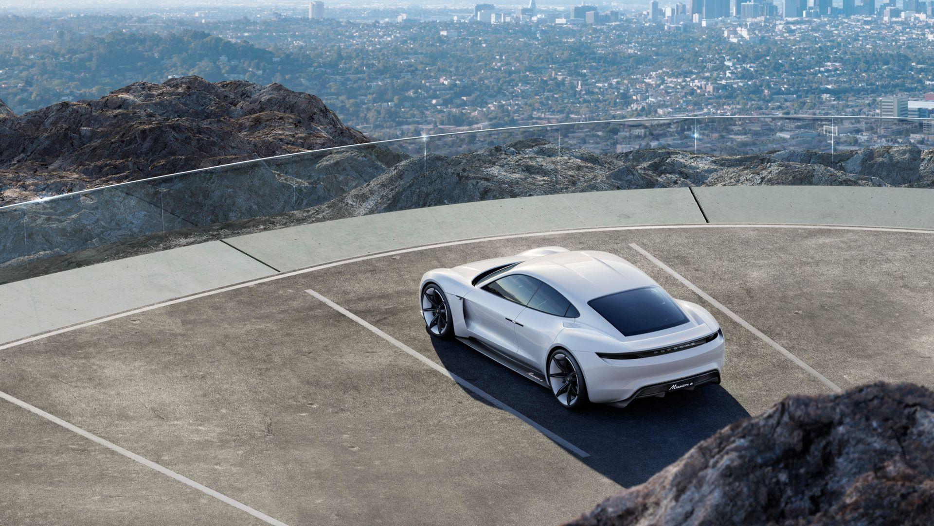 Porsche Taycan se apropie de debut: Va primi și un frate SUV