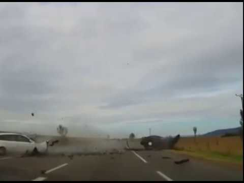 video-accident-grav-pe-dn2-surprins-de-o-camera-de-bord
