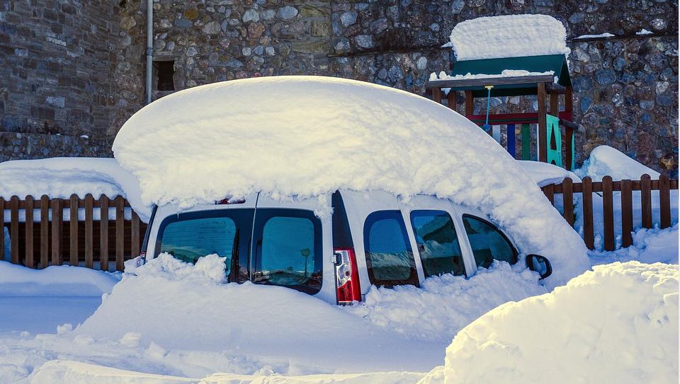 p-accesorii-auto-la-mare-cautare-pe-timp-de-iarna
