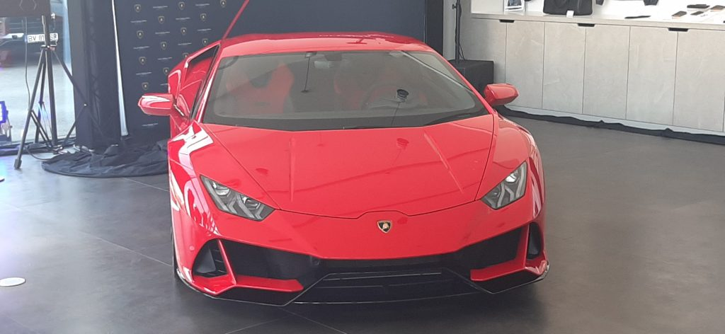 Lamborghini a redeschis ieri showroomul din București