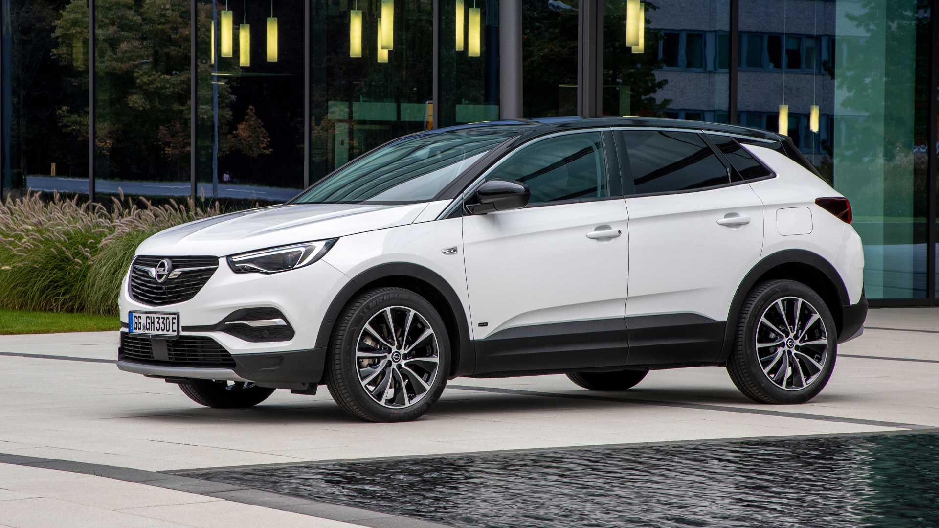 Opel Grandland X PHEV, acum și cu tracțiune față
