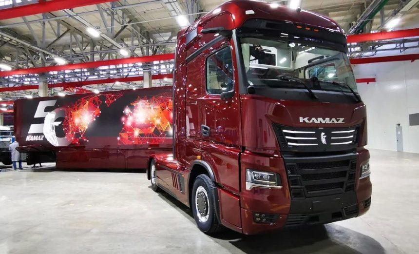 Ruşii de la Kamaz susţin că reinventeză camionul