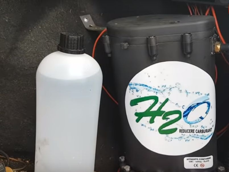 Cu 1 litru de apă un Logan poate circula 10.000 de km! E posibil? ( Video)