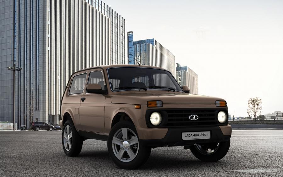 Lada Niva 4x4 Urban / motor 1,7 litri benzină /82 CP la 5800 rpm - preț în România de la 9500 euro!