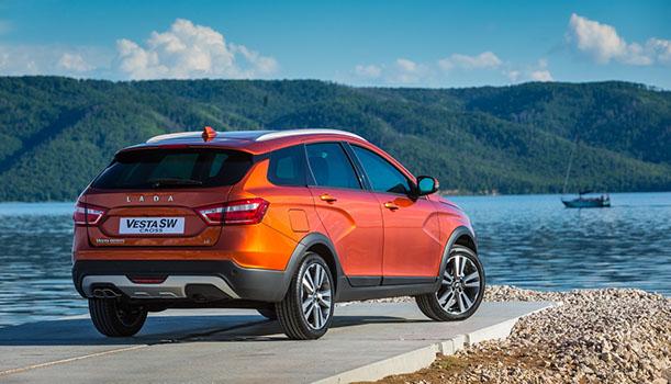 Lada Vesta Cross / motor 1,6 litri benzină /100 CP la 5800 rpm - preț în România de la 11800 euro! Acest model a fost testat și de Auto Bild și am avut o surpriză plăcută.