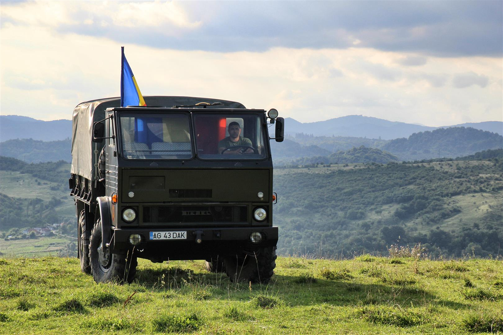 AM 443T - camionul militar produs în România cu mecanică de TAB