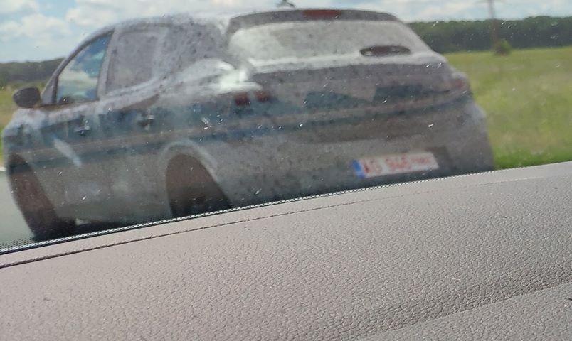 Un noul model camuflat scos la teste de Dacia. Ce model ar putea fi?