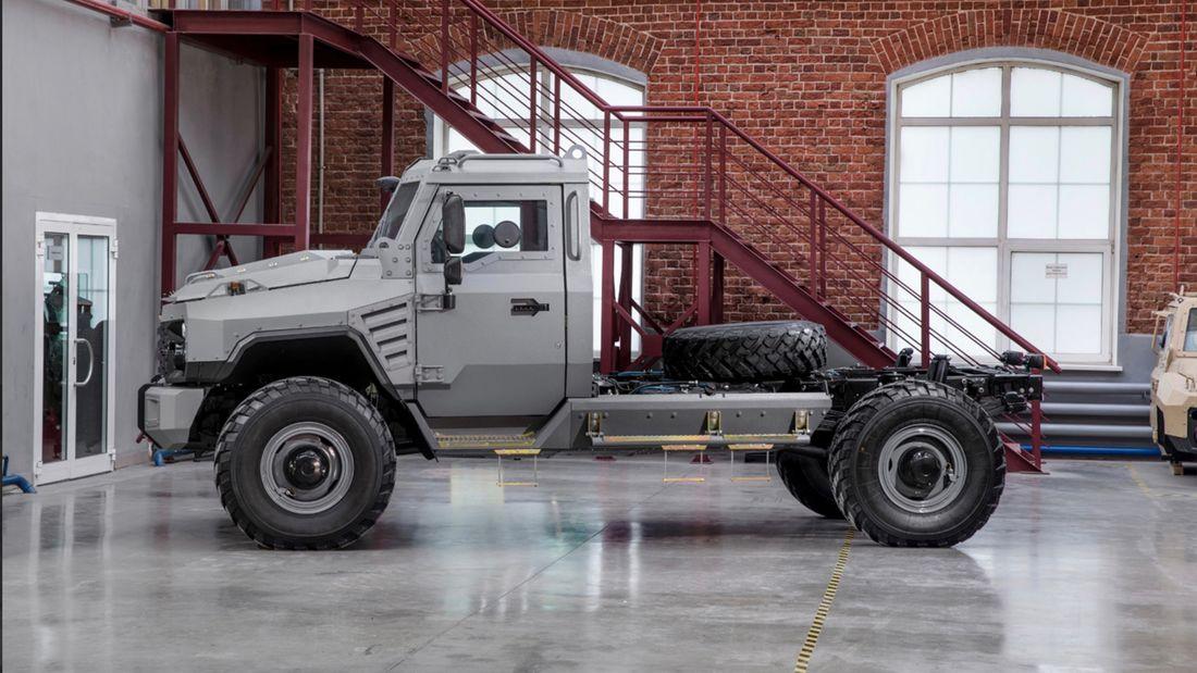 Cum transformi un camion într-un vehicul de lux blindat