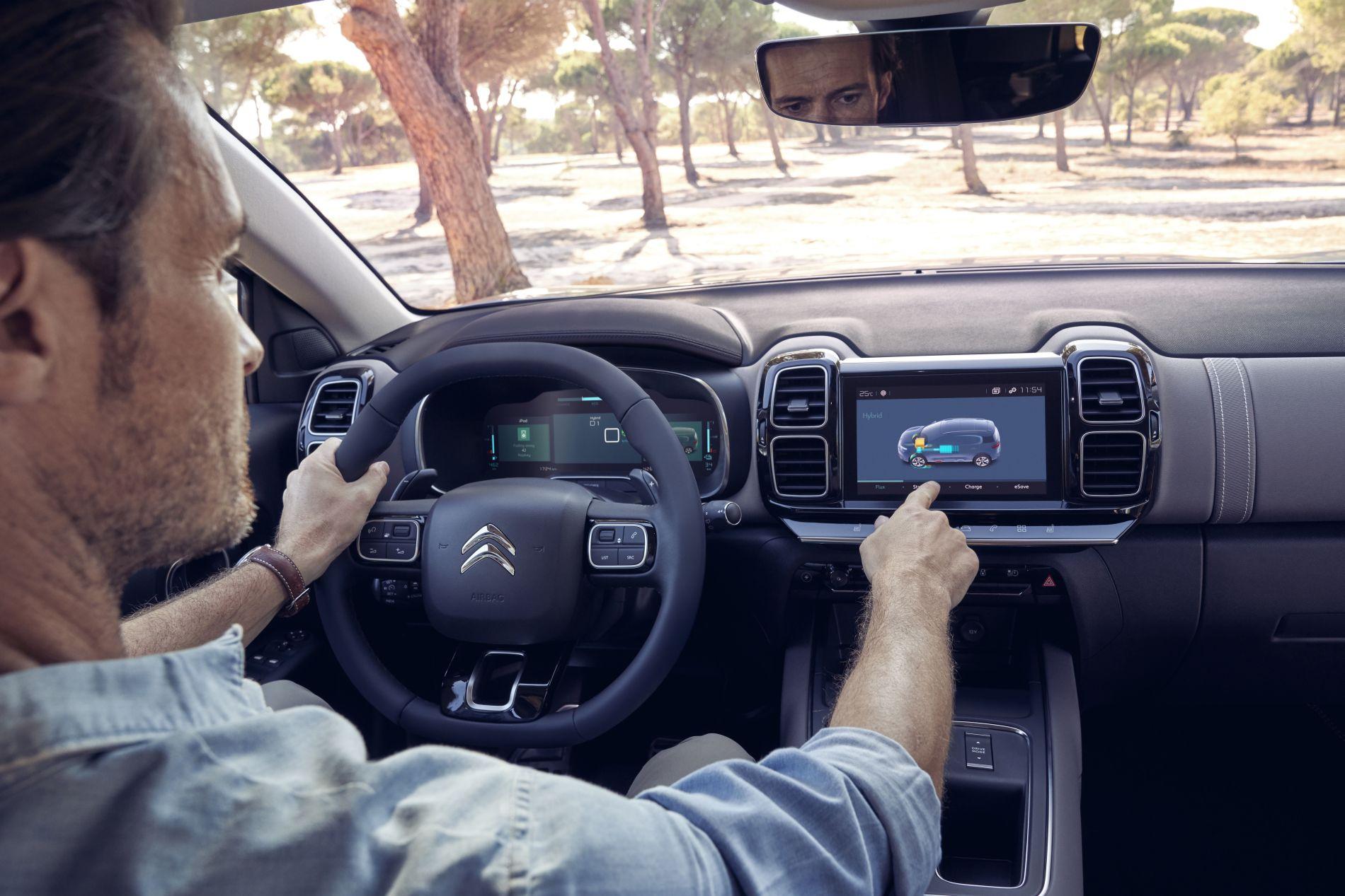 Noul Citroen C 5 Aircross Hybrid poate fi comandat în România de la 34.286 de euro