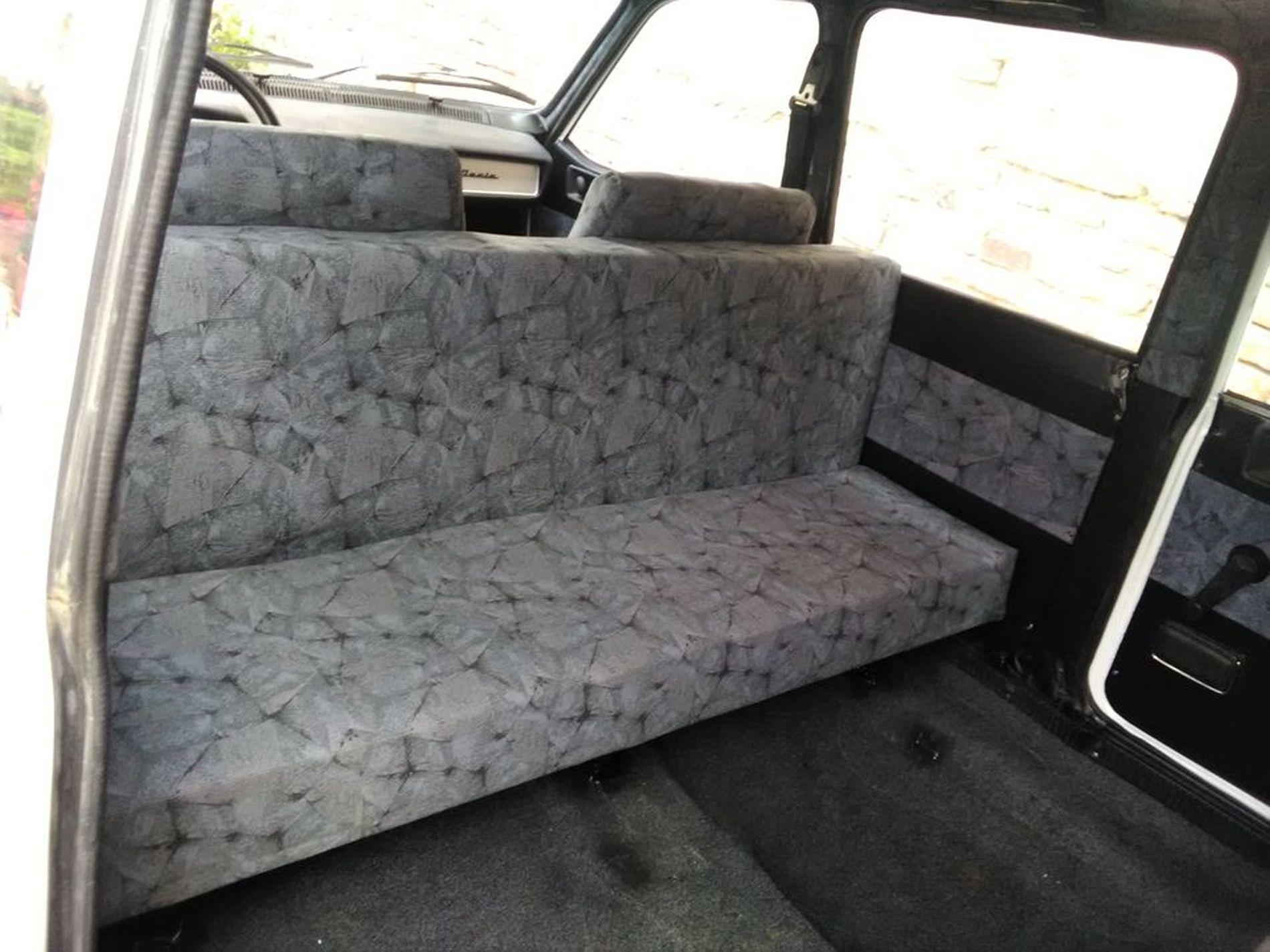 Raritate - un exemplar Dacia Maxibreak  a fost scos la vânzare
