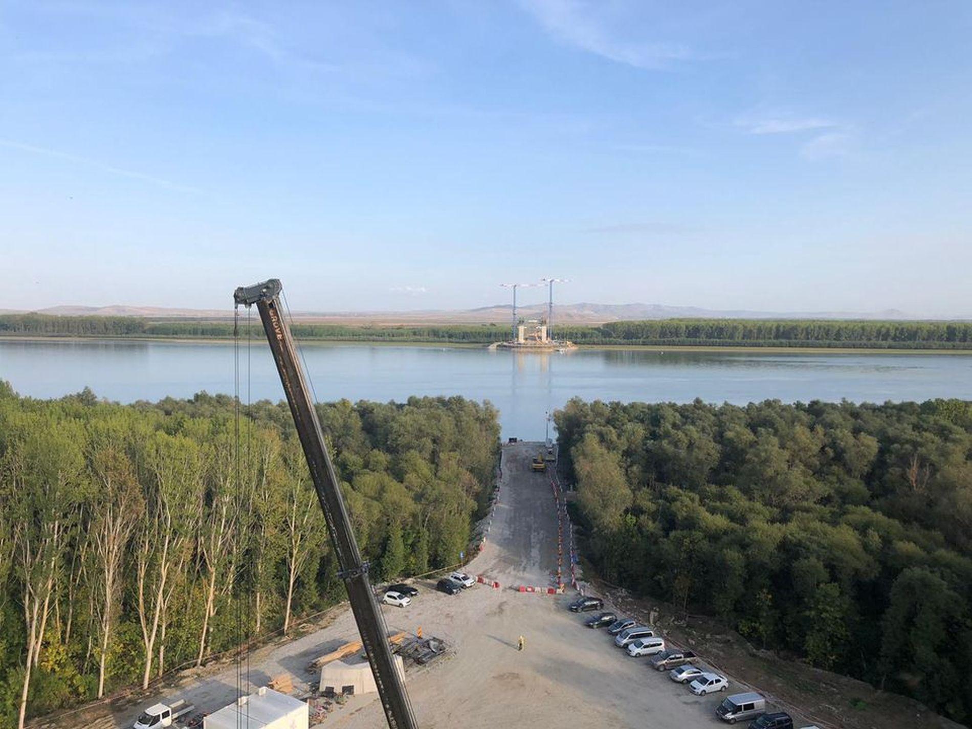 Podul de la Brăila începe să prindă contur