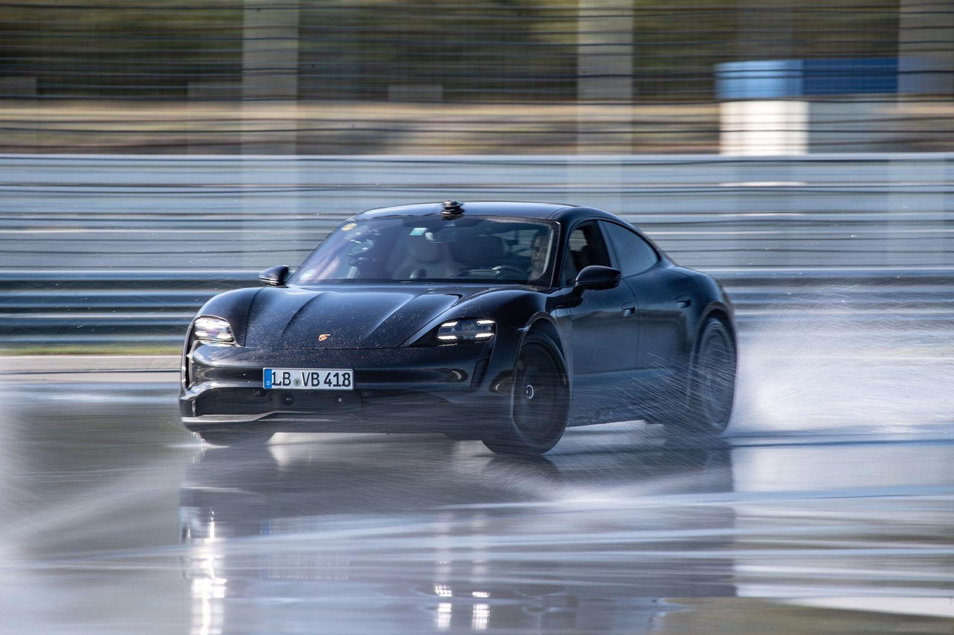 Porsche Taycan: drift de record mondial!