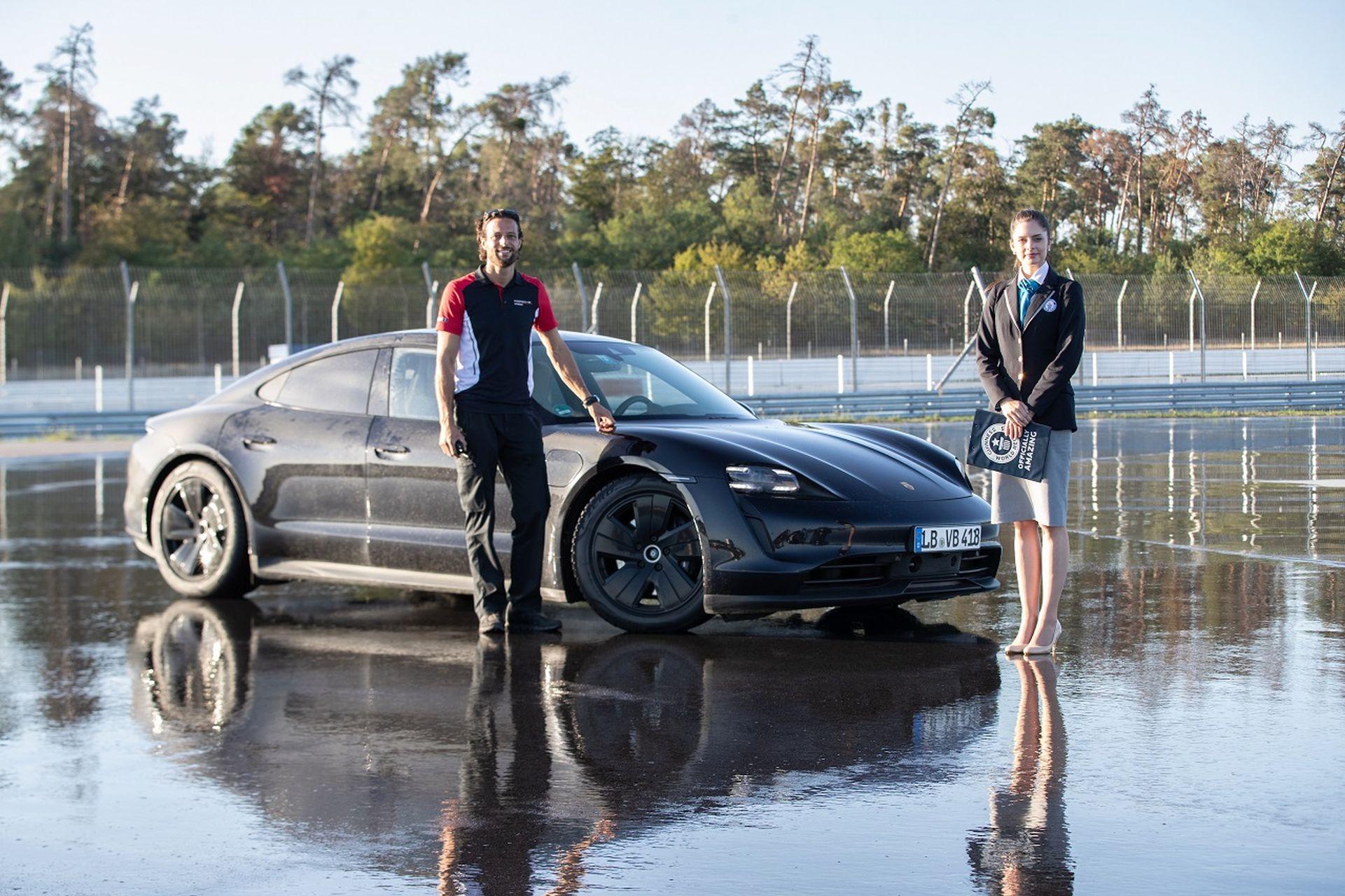 Porsche Taycan drift record001