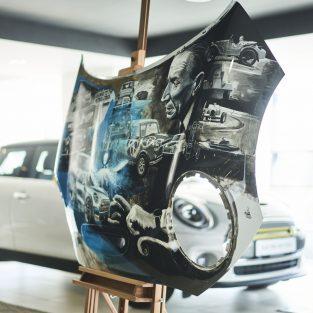MINI repornește inițiativa #ArtMeMINI cu două lucrări ale lui Adrian Mitu